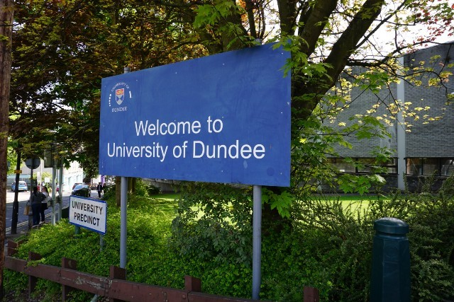 A sign that reads Welcome to University of Dundee