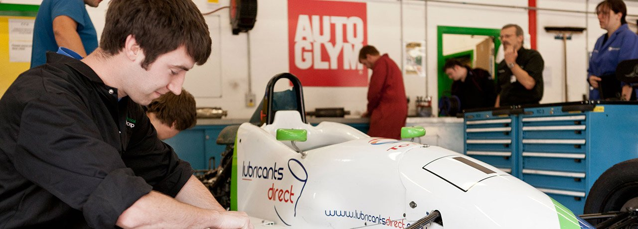 Motorsport engineering student At Castle Combe